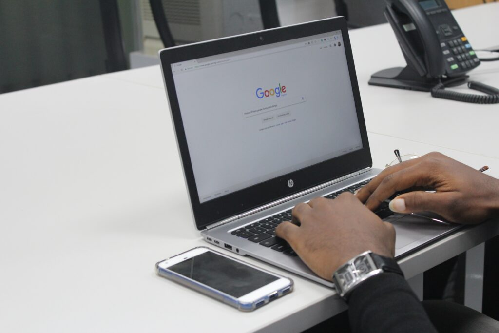 Como fazer minha empresa aparecer no Google nas primeiras posições